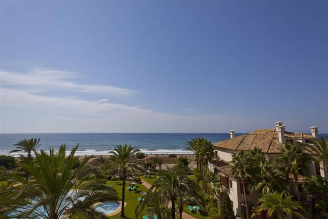 Modern contemporary penthouse in Los Monteros for sale - Marbella East