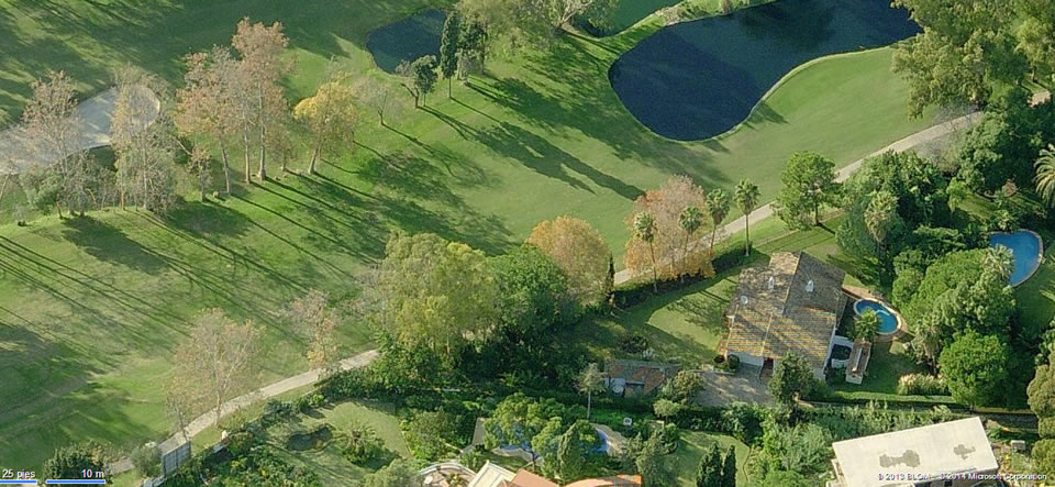 front line golf plot for sale with 98m of golf front - in prestigious Guadalmina Baja